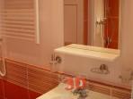 Fotogalerie koupelny -rekonstrukce panelákové koupelny obklad Viveza