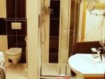 Fotogalerie koupelny -sprchová vanička montáž přímo na podlahu